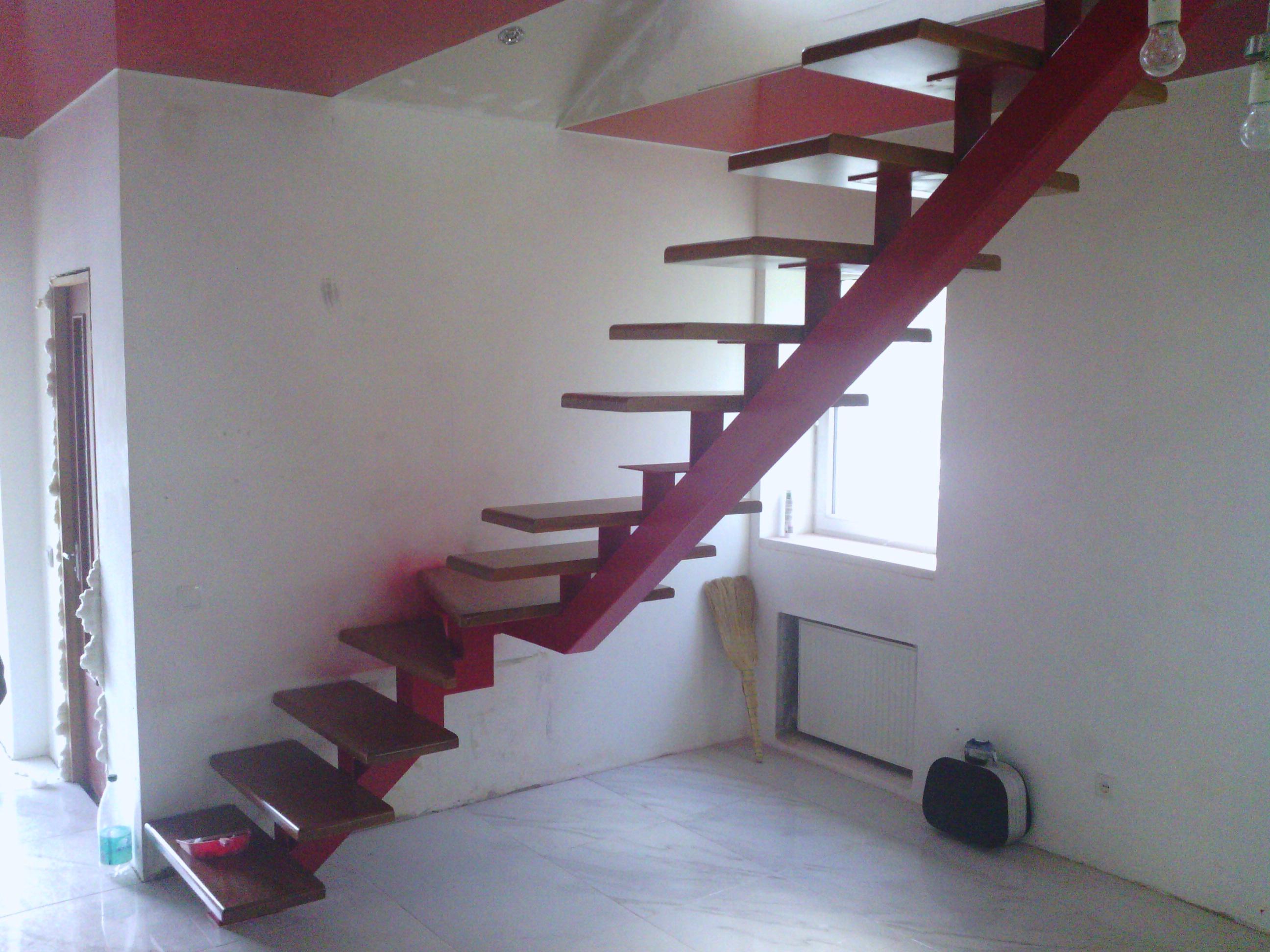 Как сделать лестницу с одним косоуром